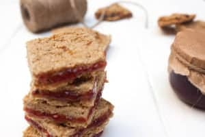 Galletas de avena y mermelada