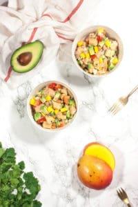 Ceviche con aguacate y mango
