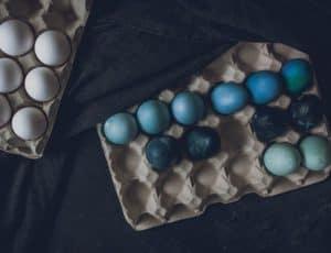 Pintar huevos pascua