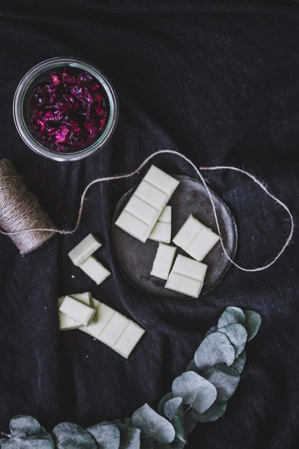 chocolate blanco y arandanos