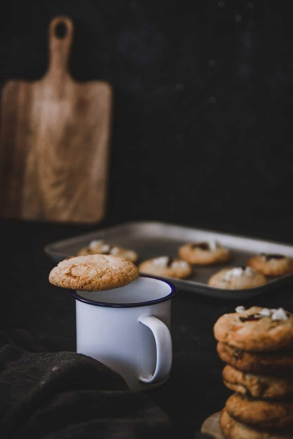cookies de chocolate blanco y arandanos