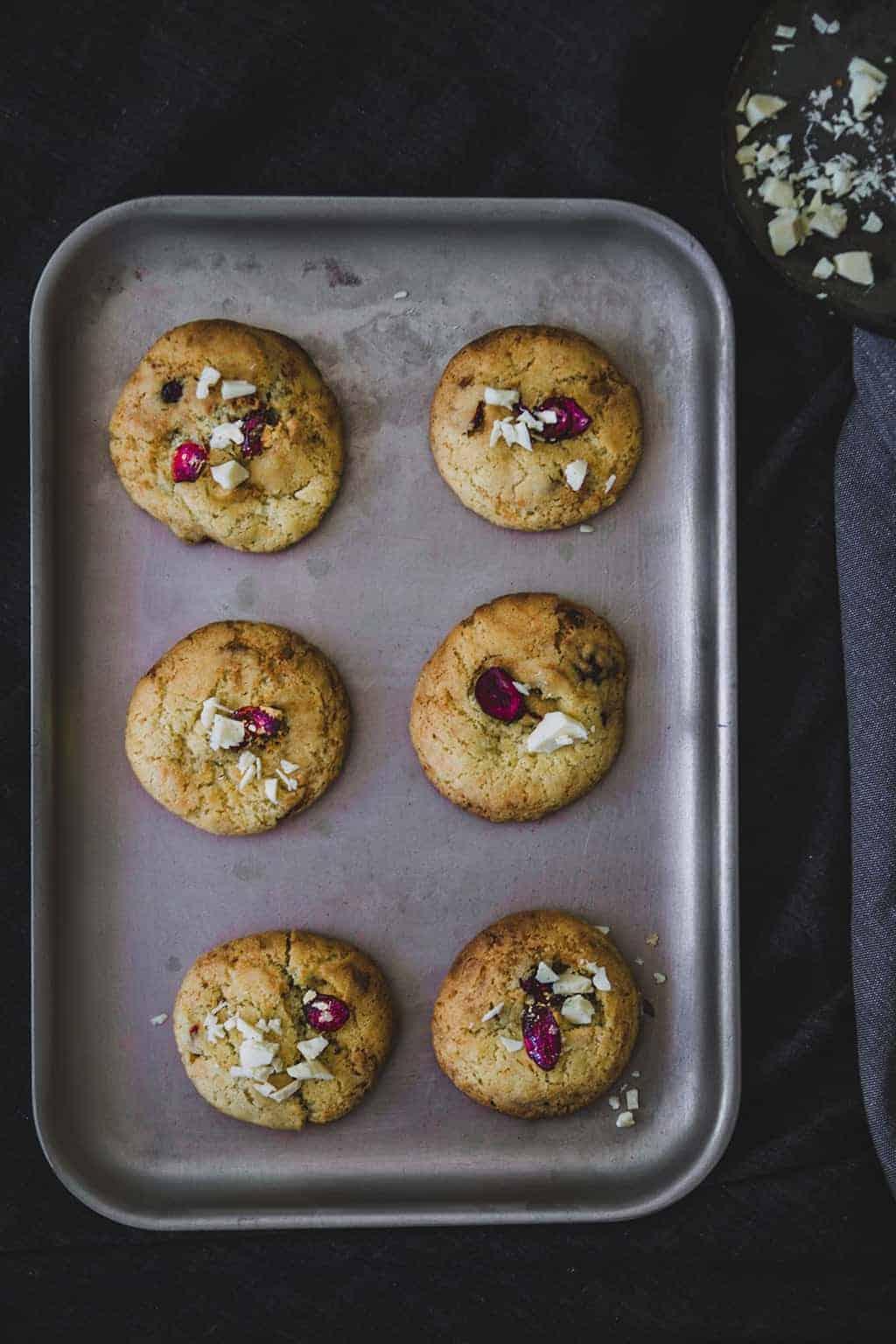 cramberry and white chocolate cookies