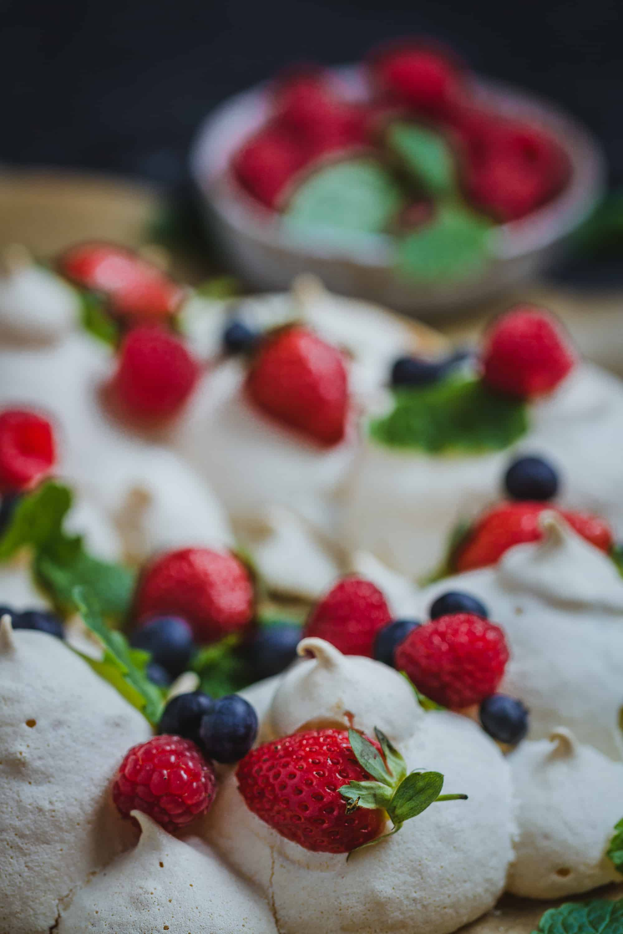 Merengue con frutos rojos