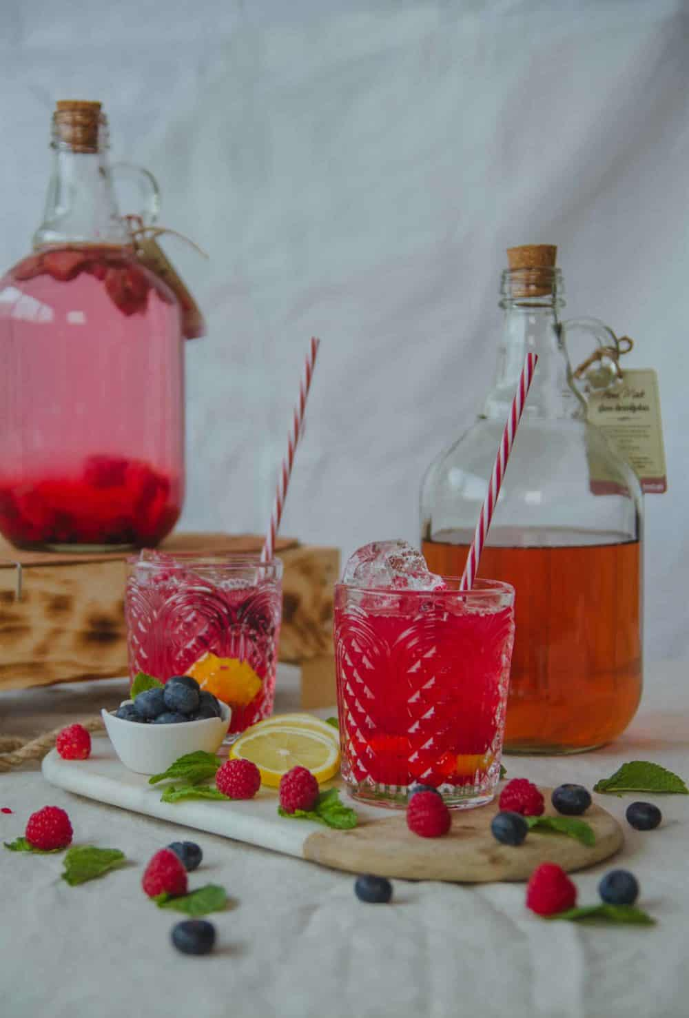 gin with berries